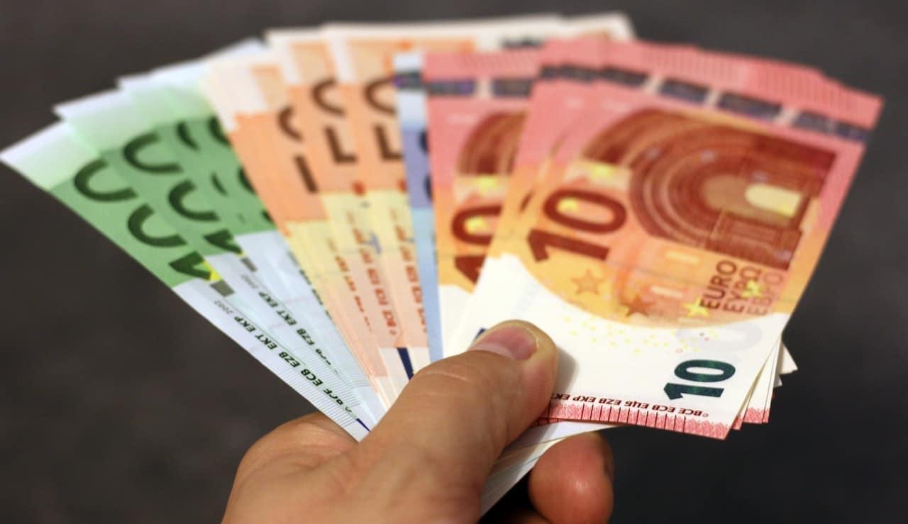 bank-note-banknote-banknotes-bill-259251